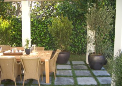 Holiday_Exterior_Dining